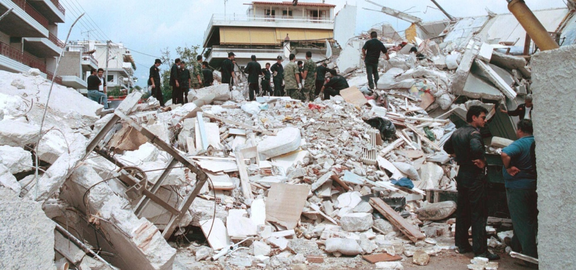 Φονικός σεισμός στην Πάρνηθα: Όταν ο χρόνος σταμάτησε στις 14:56   Έθνος