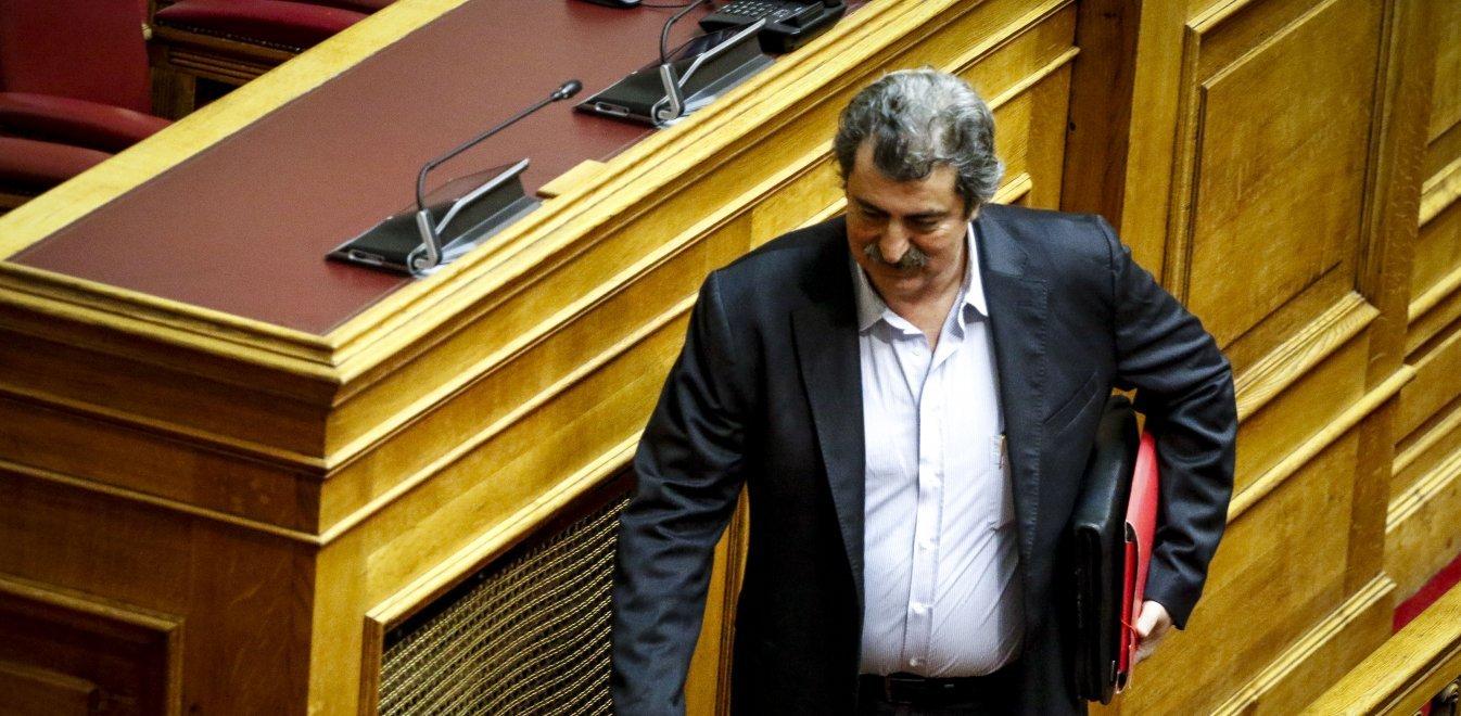 Το ποσό των 270.000 ευρώ ζητά η ΠΟΕΔΗΝ από τον Πολάκη