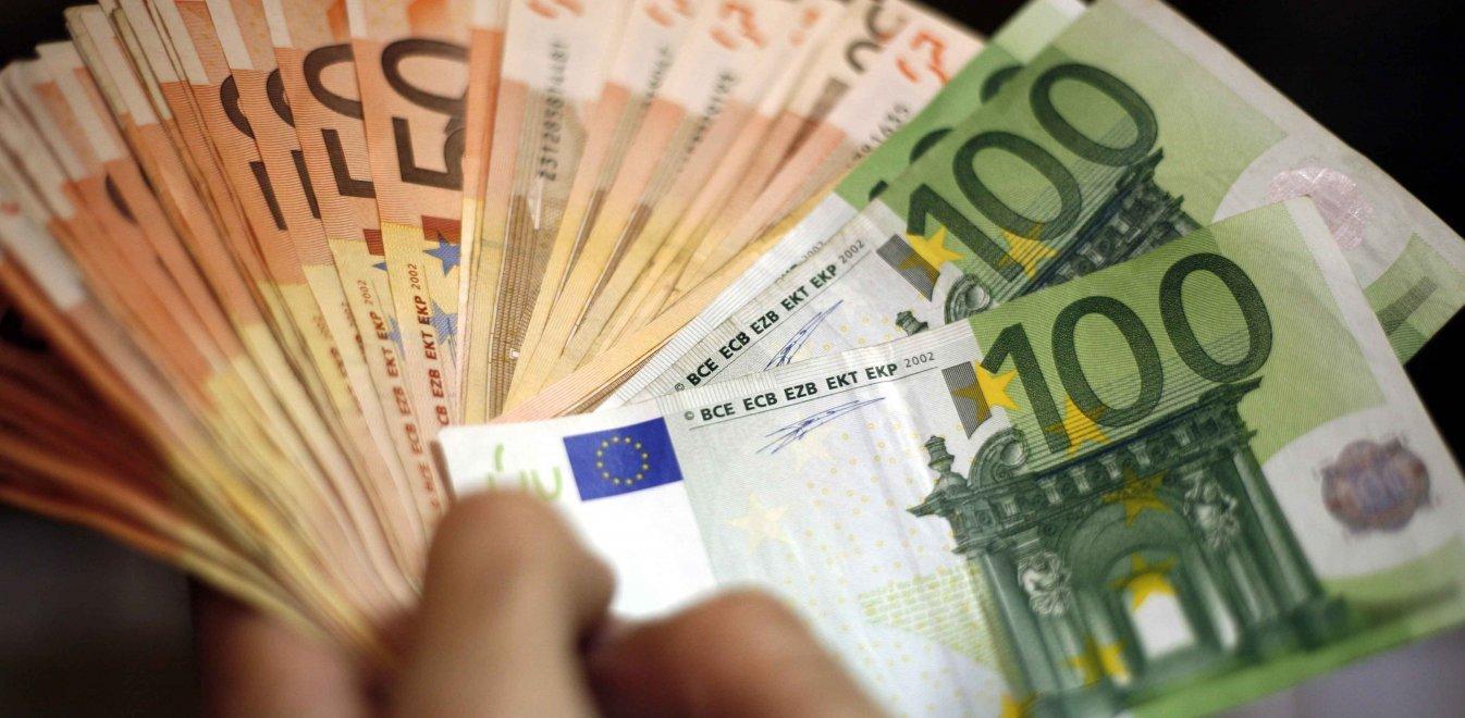 Εβδομήντα δάνεια μιας τράπεζας ερευνούν οι εισαγγελείς Διαφθοράς