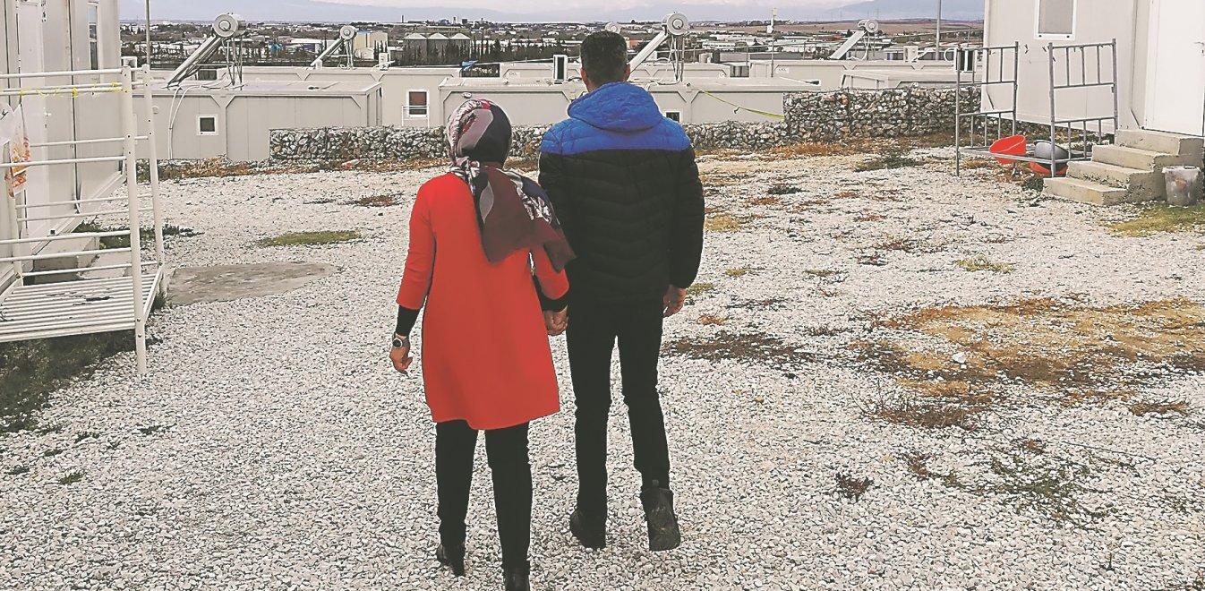 Οι πρόσφυγες που βγήκαν από το γκέτο των καμπ