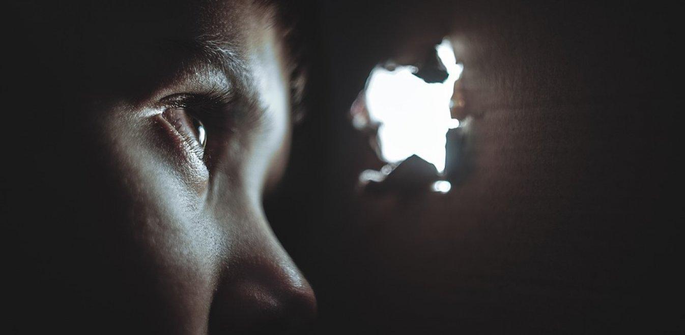 Θρίλερ στην Αρκαδία: 16χρονη γέννησε δίδυμα – Μυστήριο με βιασμούς και πατρότητα