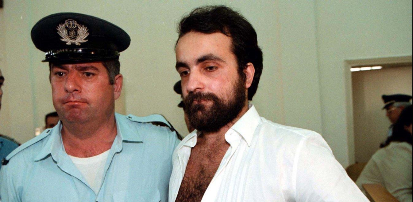 Θεόφιλος Σεχίδης: Σκότωσε, τεμάχισε, έφαγε την οικογένειά του - Το χρονικό