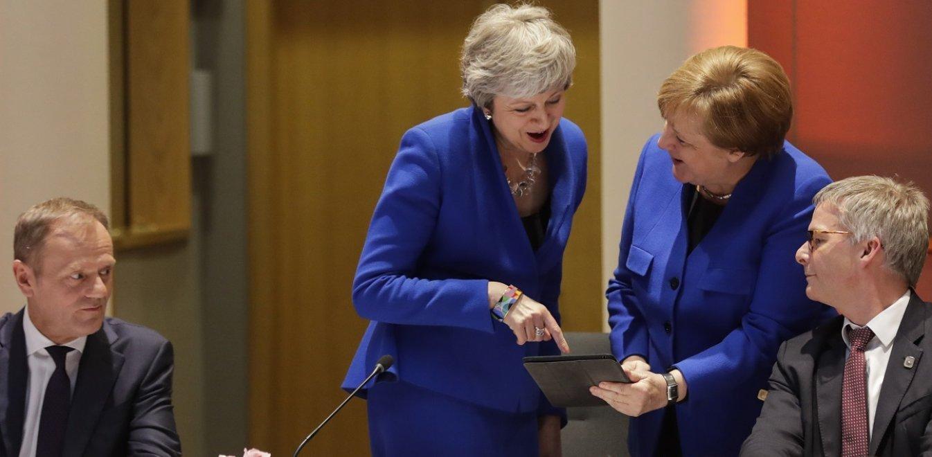 Brexit: Τι ζητούν οι «27» από τη Μέι για να δεχθούν παράταση