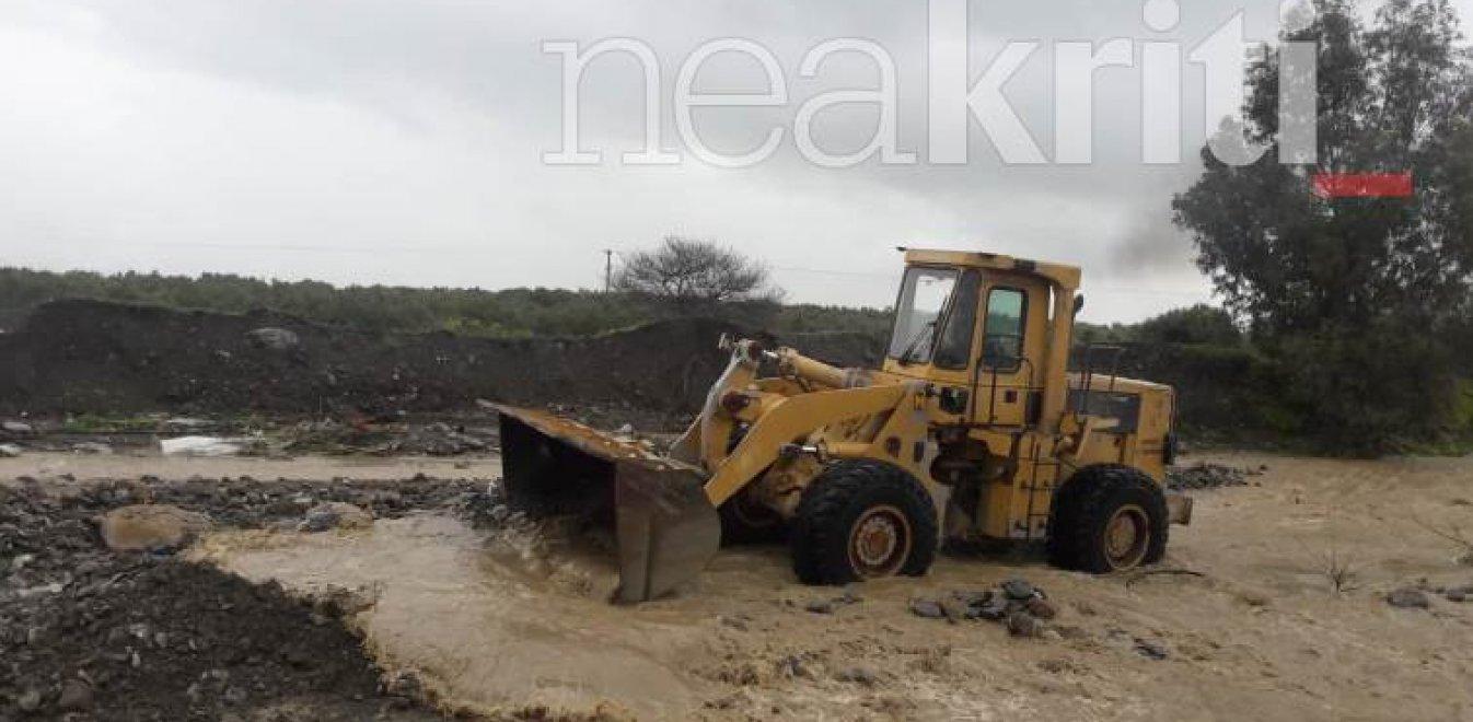 Κρήτη: Δρόμος κόπηκε στα δυο - Πνίγηκαν δεκάδες πρόβατα