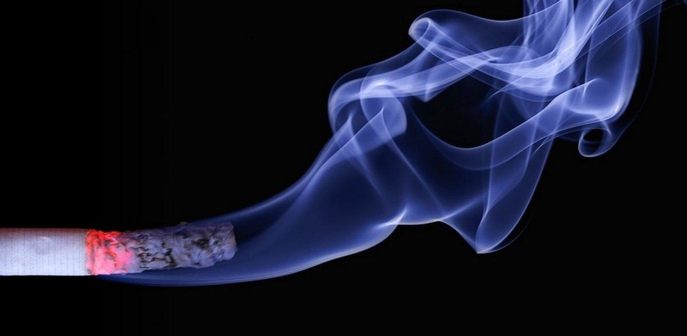 Αντικαπνιστικός νόμος: Τσουνάμι αιτήσεων για λέσχες καπνού σε όλη τη χώρα