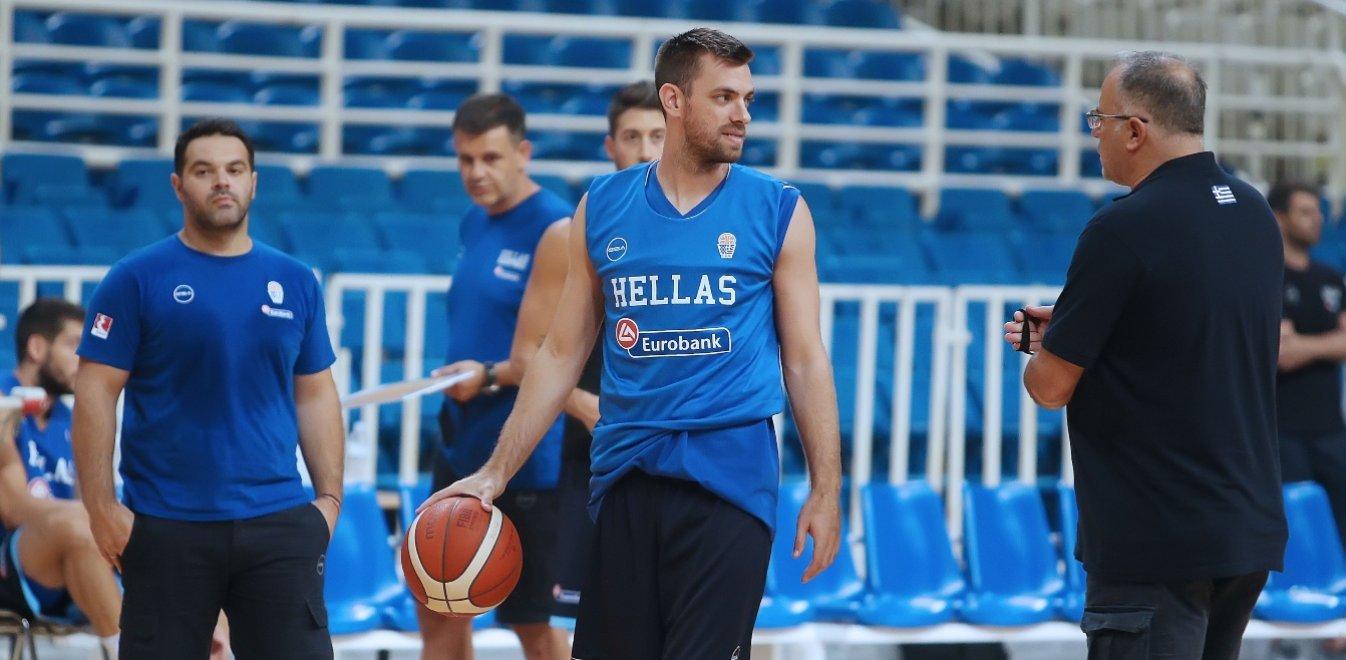 Επιστρέφει στην Εθνική μπάσκετ ο Μάντζαρης μετά το σοκ με Αθηναίου