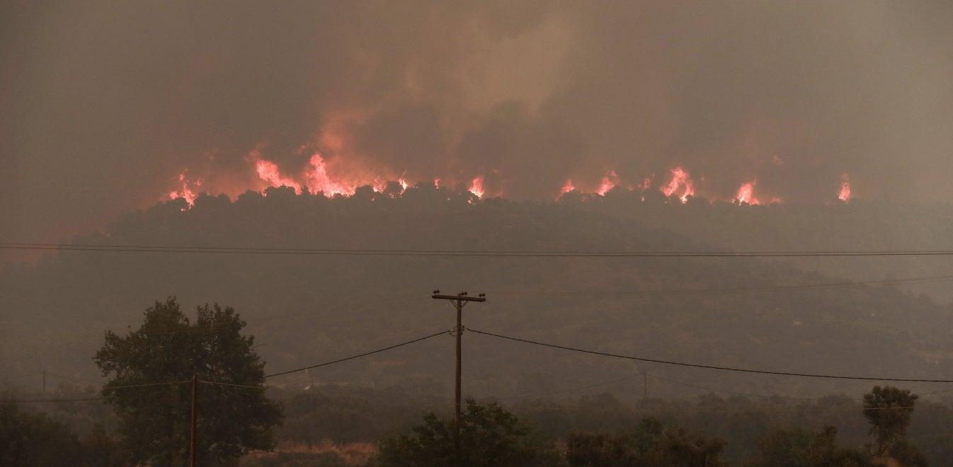 Αποτέλεσμα εικόνας για φωτιές εύβοια τώρα