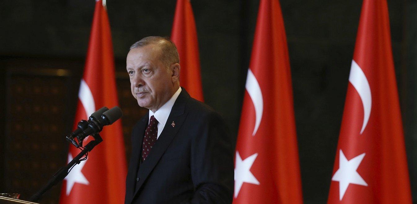 Εκβιάζει ξανά ο Ερντογάν: «Ή θα γίνει αυτό που λέμε ή θα ανοίξουμε τις πύλες»