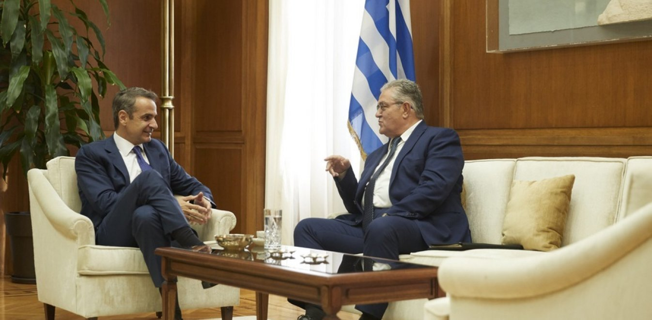 Koutsoubas supports voting rights for Greeks abroad at meeting with PM