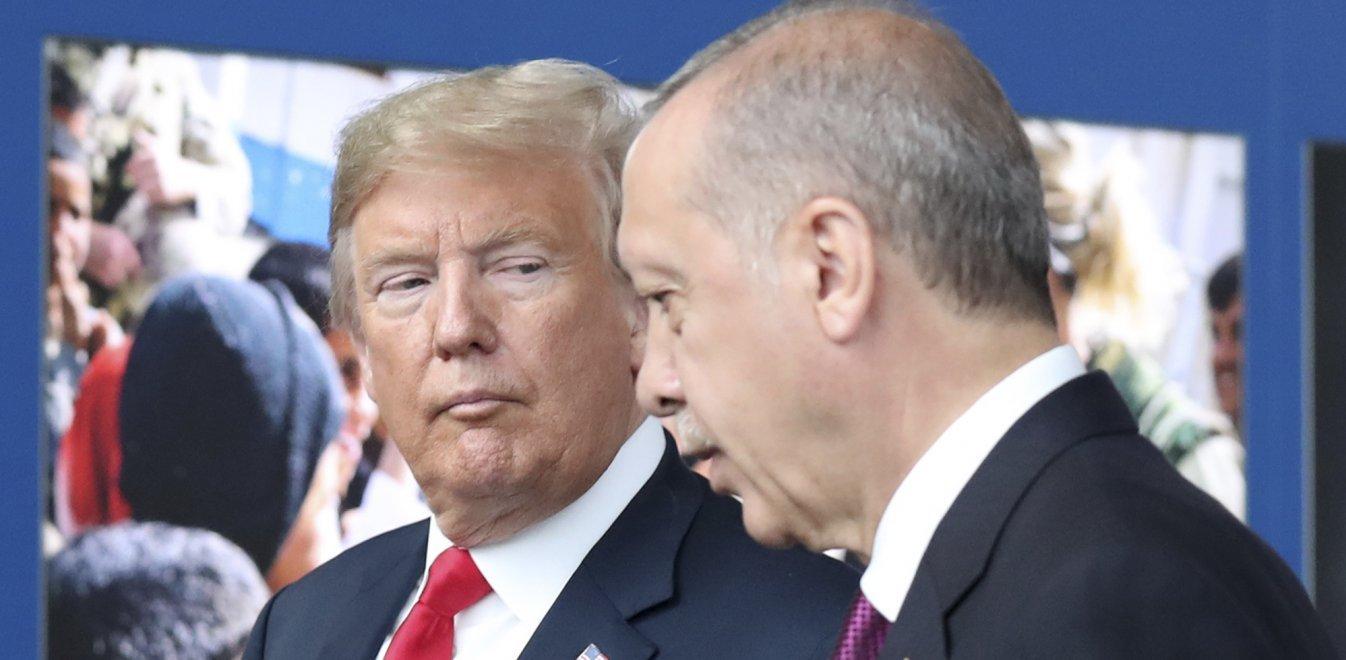 Τραμπ σε Ερντογάν: «Διαφωνώ με την ξένη ανάμιξη στη Λιβύη»