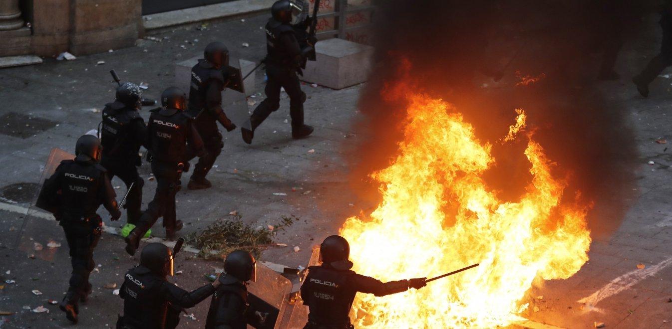 Βαρκελώνη: 500.000 άνθρωποι στον δρόμο - Επεισόδια με την Αστυνομία