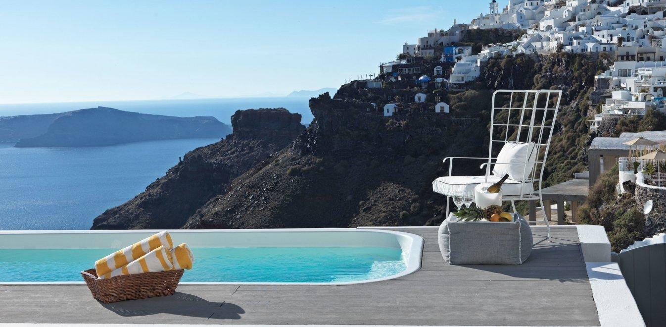 Τα νησιά προκρίνουν ξενοδοχεία καραντίνας - Πότε θα ξεκινήσουν τα ταξίδια