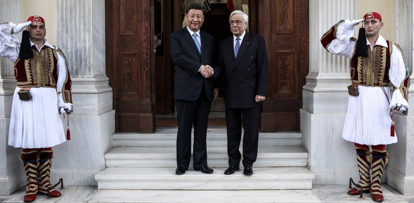 Στο Προεδρικό Μέγαρο ο Σι Τζινπίνγκ - Το πρόγραμμα του Κινέζου Προέδρου (vids)