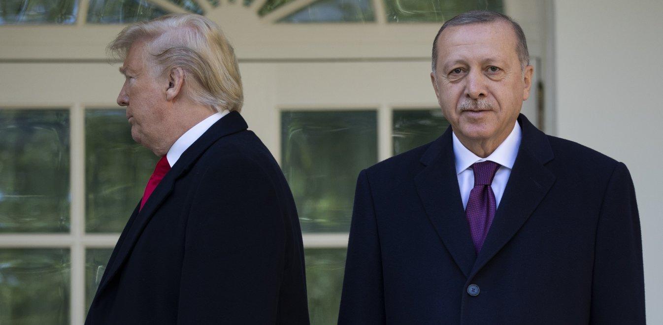 Τραμπ - Ερντογάν: Το παρασκήνιο πριν από τη συνάντηση και ο ρόλος των γαμπρών τους
