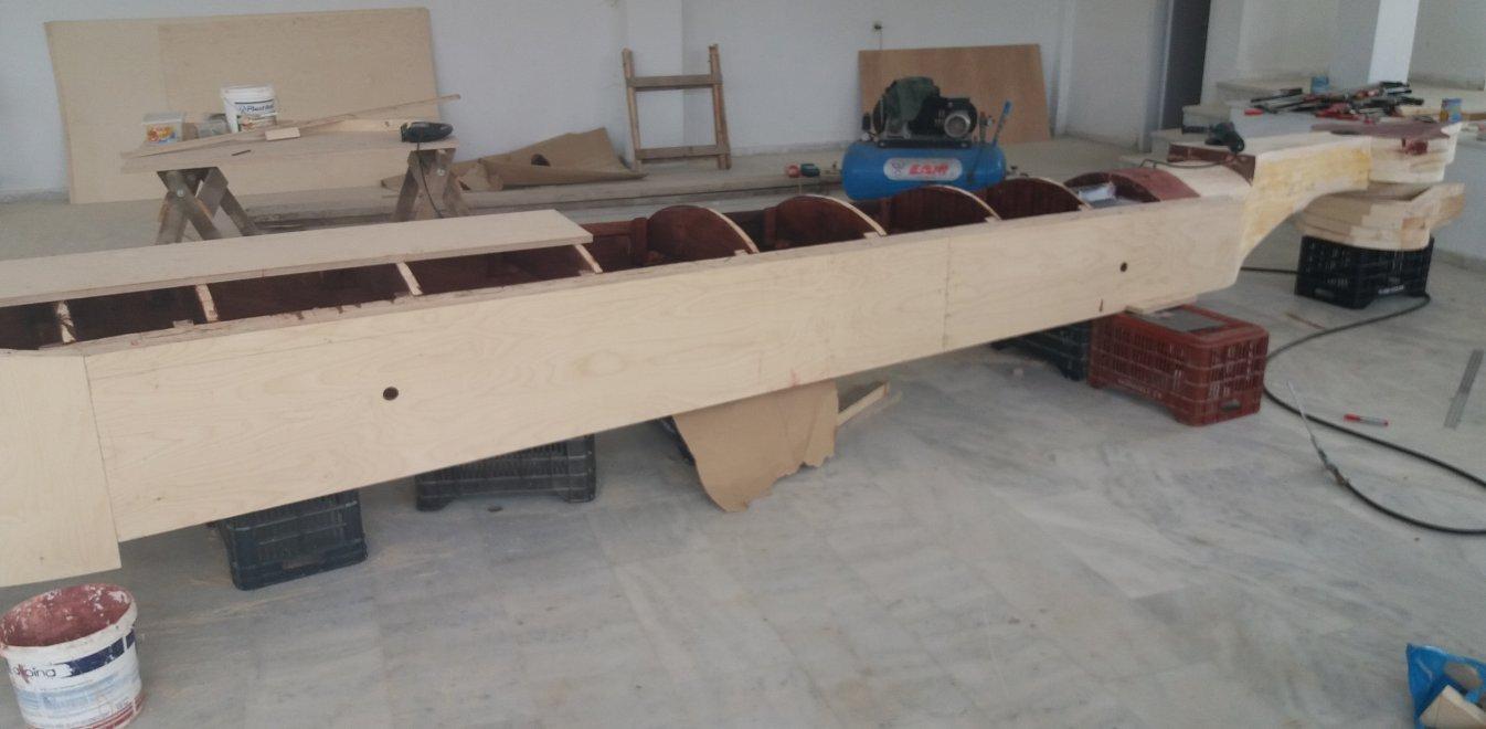 Πεντάβρυσος Εορδαίας: Εκεί που φτιάχνεται η μεγαλύτερη ποντιακή λύρα στον  κόσμο   Έθνος