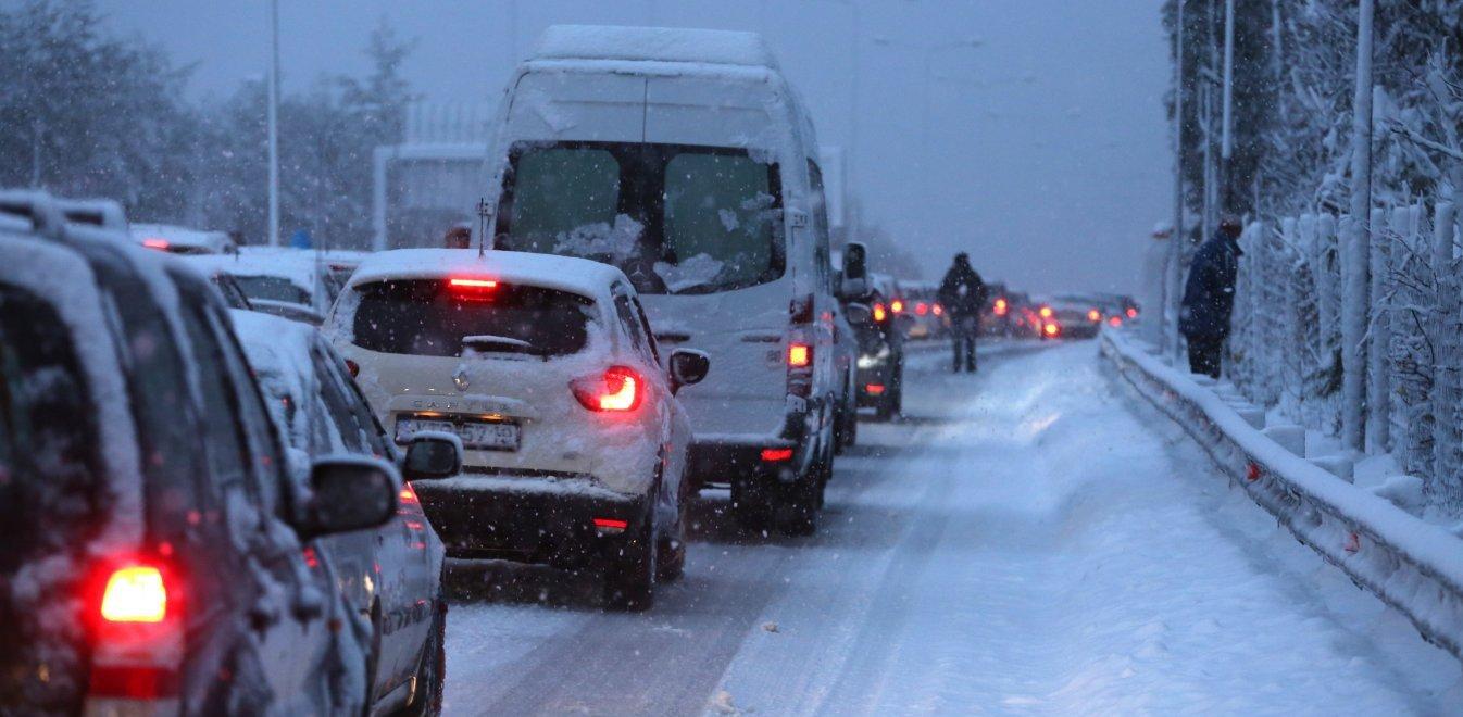 Ζηνοβία: Ατελείωτος Γολγοθάς των εγκλωβισμένων - Οργή των οδηγών (vids)