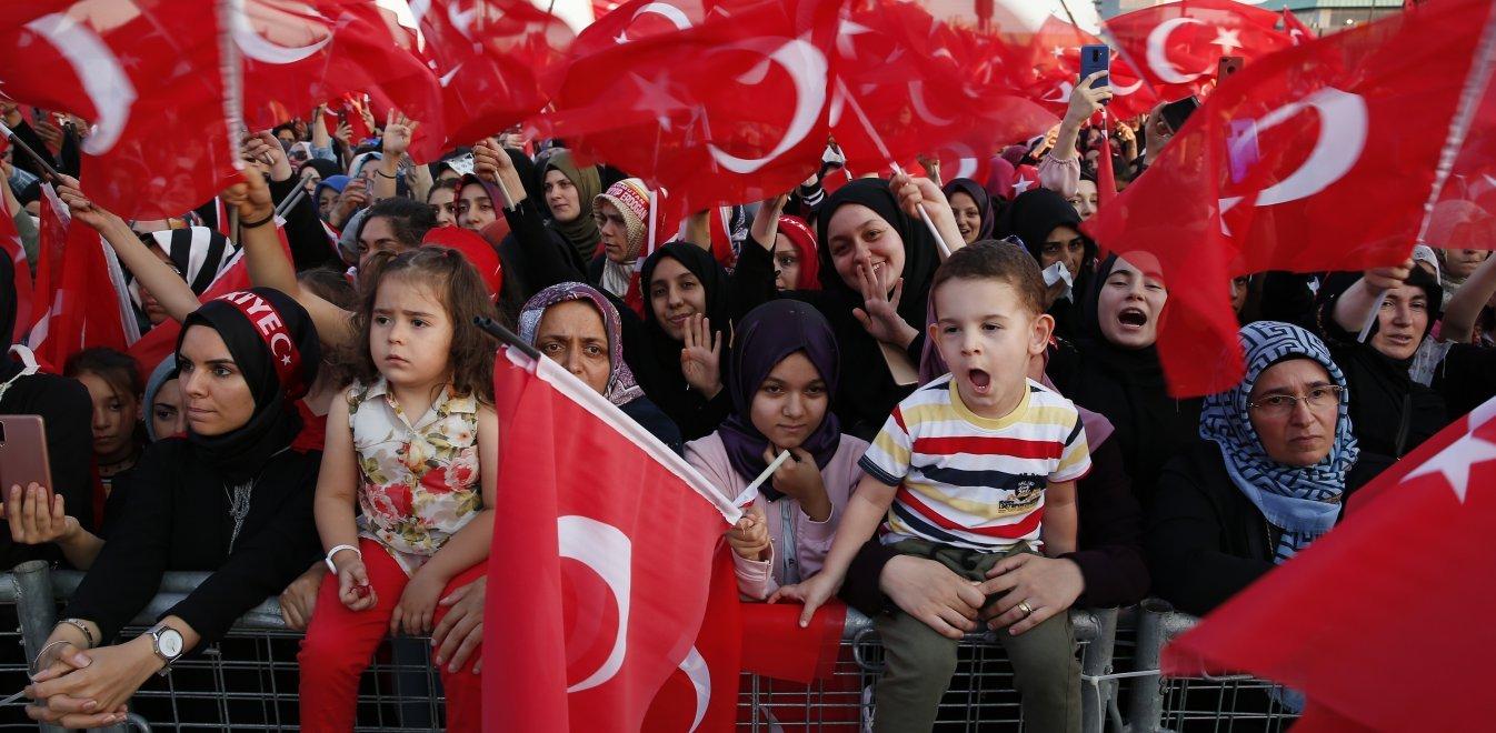 Τουρκικές ΜΚΟ διεκδικούν «επιστροφή» Κρήτης και 12 νησιών στην Τουρκία