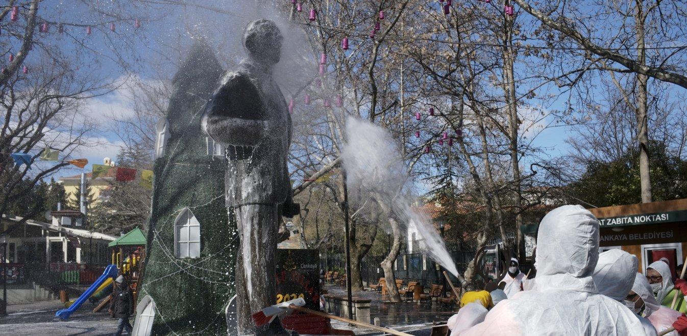 Τουρκία: Ξεπέρασαν τους 100 οι νεκροί – 7.402 τα κρούσματα κορονοϊού