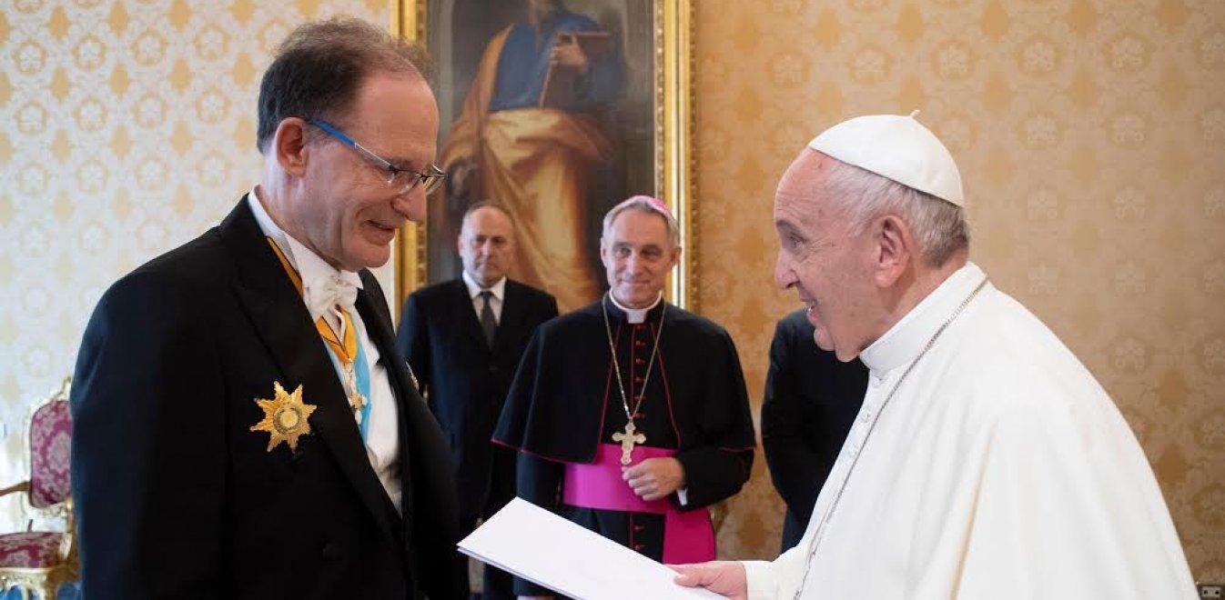 Ελληνας πρέσβης στο Βατικανό για τον κοροναϊό: Αυτά είναι τα έκτακτα μέτρα