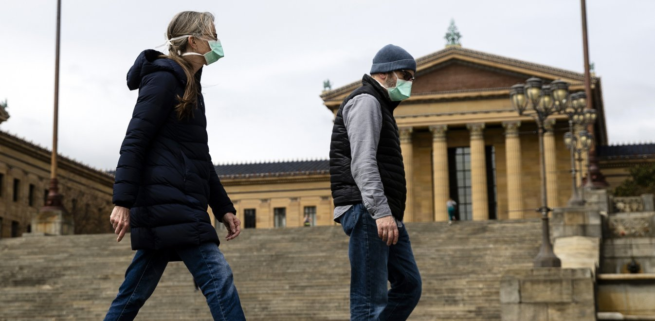 O παγκόσμιος πόλεμος της μάσκας, ιστορίες συνωμοσίας και πειρατείας εν μέσω της πανδημίας
