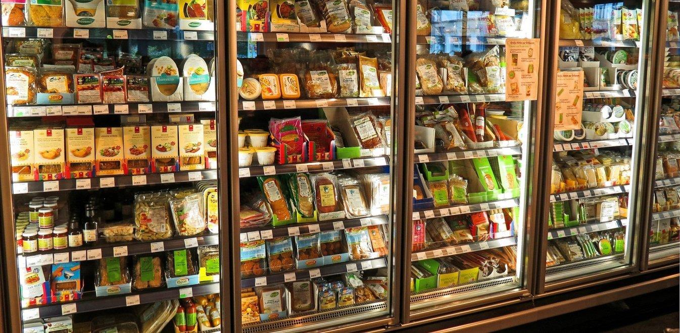 Μείωση ΦΠΑ 13%: Ποια προϊόντα θα πωλούνται φθηνότερα από τη Δευτέρα