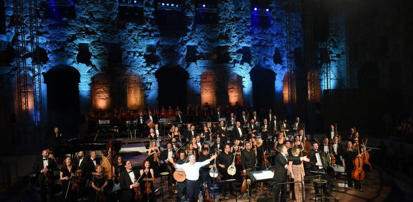 Πέτσας: Νέα μέτρα για τον Πολιτισμό - Ποιοι δικαιούνται το επίδομα των 800 ευρώ