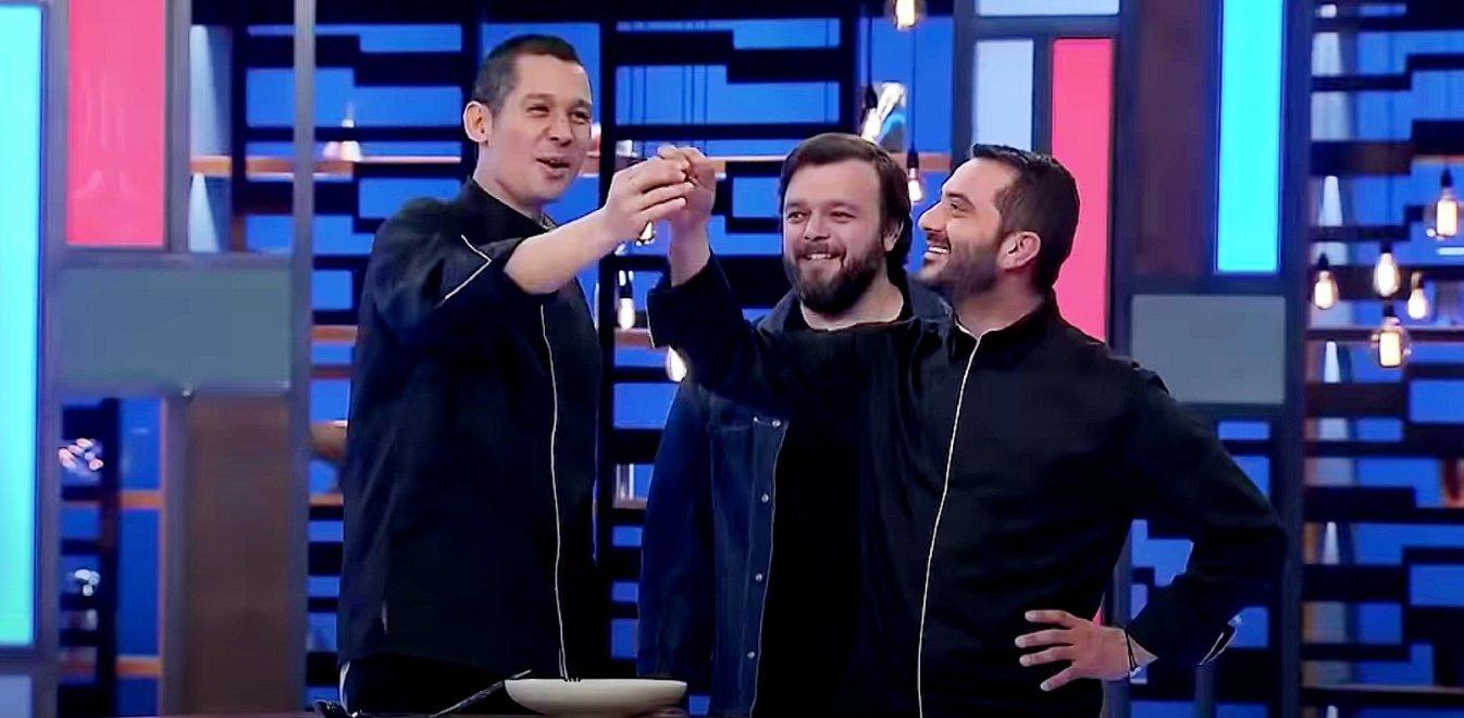 MasterChef 4: Ξέχασε κόκαλο στο πιάτο του ο Κουτσόπουλος και το Twitter τον αποθεώνει