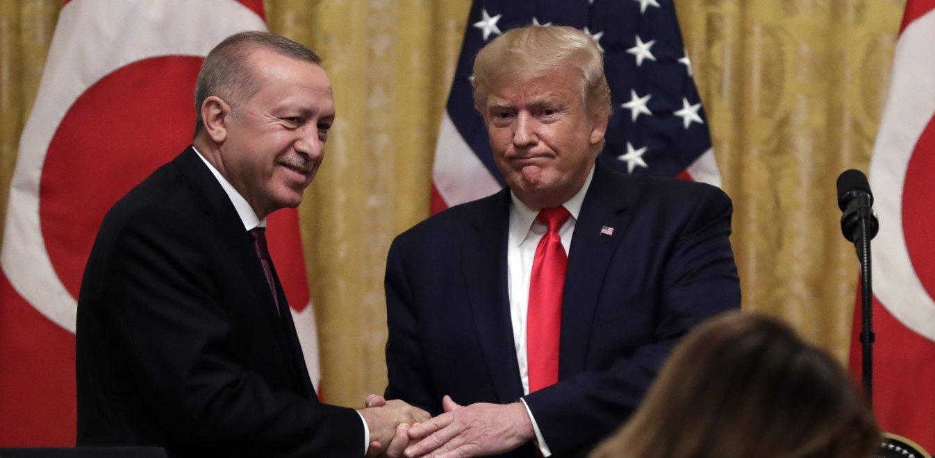 Δημοσίευμα σοκ για τη σχέση Τραμπ-Ερντογάν - Μύδροι κατά του «πλανητάρχη»