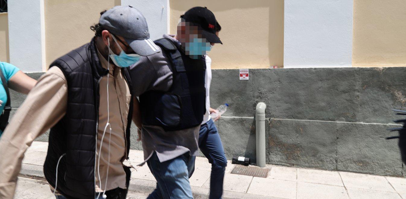 Ψευτογιατρός: Έστελνε μαντζούνια ταχυδρομικώς και στο εξωτερικό