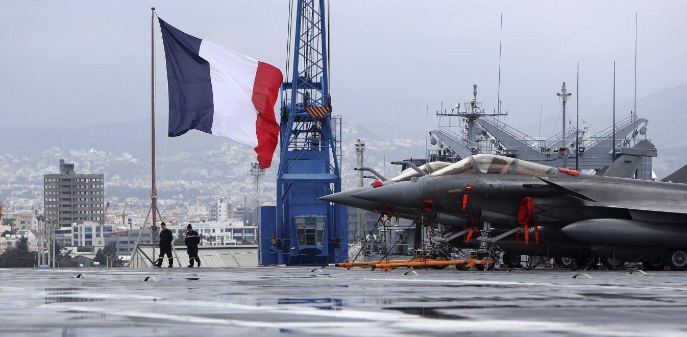 Στην Ελλάδα οι γαλλικές δυνάμεις: Δύο Rafale πέταξαν πάνω από το Oruc Reis