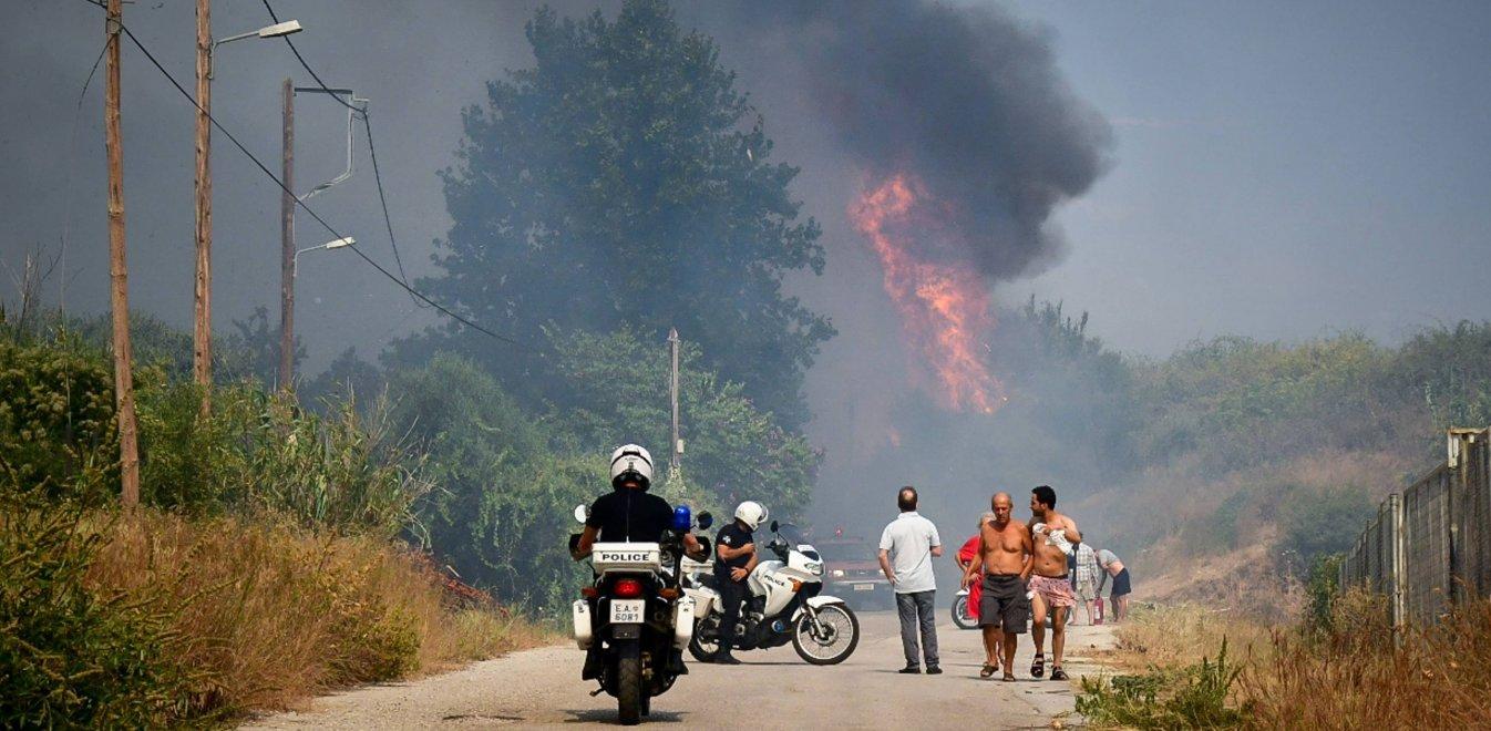 Μεγάλη φωτιά στην Πάτρα: Νέα προειδοποίηση στους πολίτες – Μαίνεται η  πυρκαγιά   Έθνος