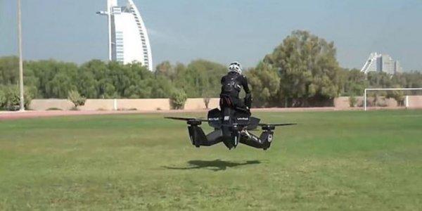 Ντουμπάι: Ιπτάμενοι αστυνομικοί σε στιλ... Star Wars (vid)