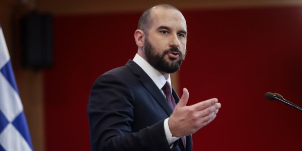 Wage rises, labour rights, targeted tax relief, and social welfare are SYRIZA's goals, Tzanakopoulos says