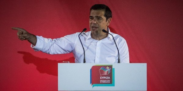 PM Tsipras calling voters to opt for Europe and the future, in Ethnos article