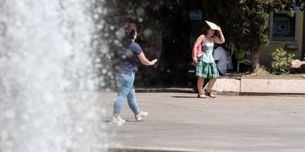 High temperatures to continue in Greece on Monday