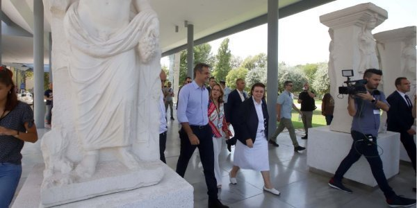 PM attends seminar on combining culture and technology at Thessaloniki Archaeological Museum