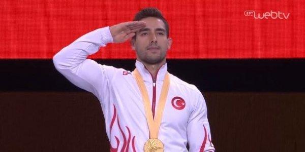 Σάλος με τον στρατιωτικό χαιρετισμό του Τούρκου Τσολάκ που νίκησε τον Πετρούνια (pic+vid)