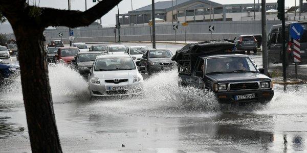 Καιρός σήμερα: Βροχές και σποραδικές καταιγίδες - Θερμοκρασία σε πτώση
