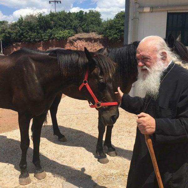 Ιερώνυμος: Το καλοκαιρινό ησυχαστήριο του Αρχιεπισκόπου στη Βοιωτία