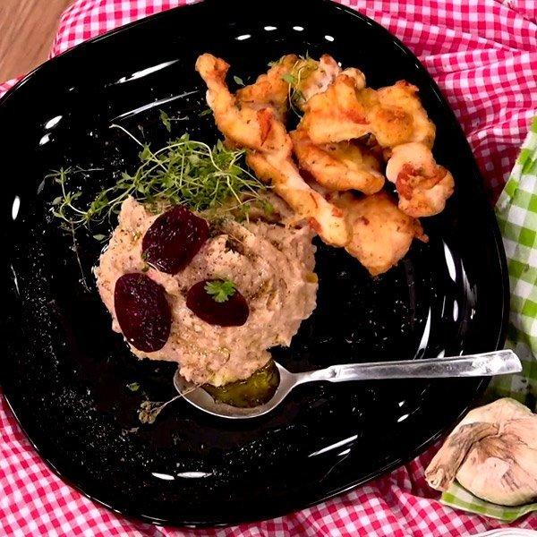 Συνταγή για κοτόπουλο σε κουρκούτι με σκορδαλιά και παντζάρια
