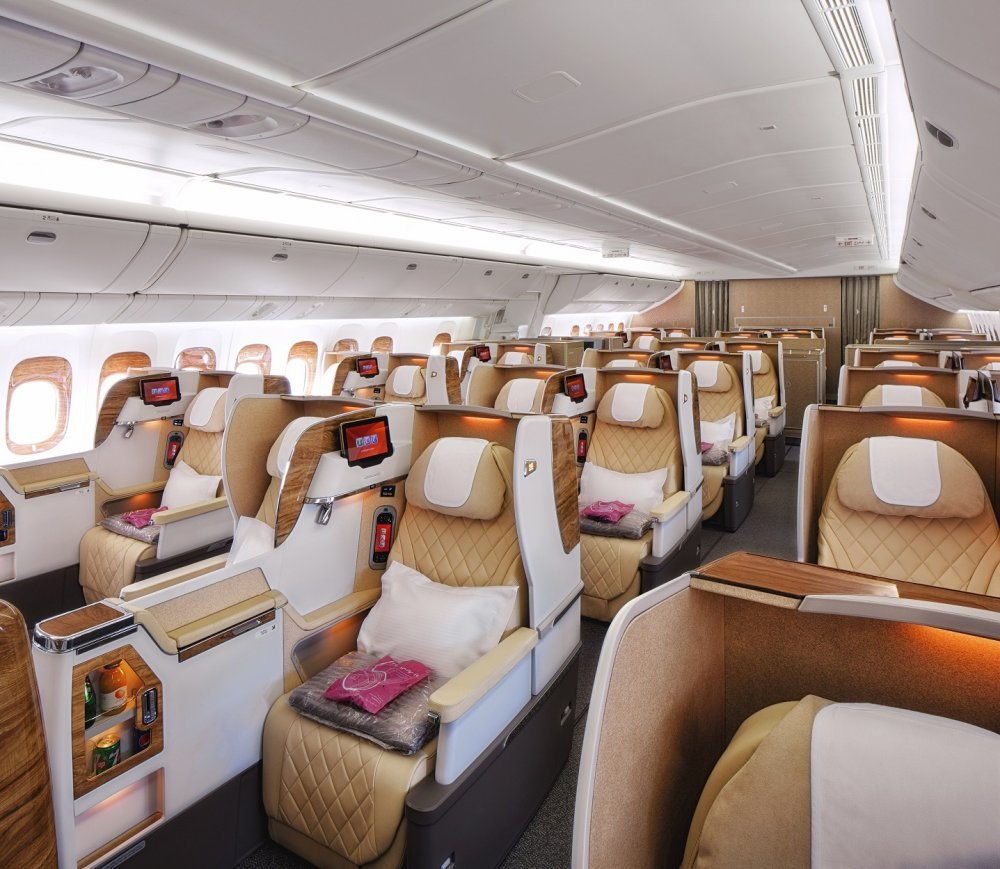 ek_b777_business_class_2-2-2_configuration_seats.jpg