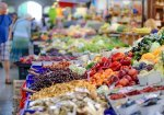 Supermarkets to invest more than 250 million euros annually, report says