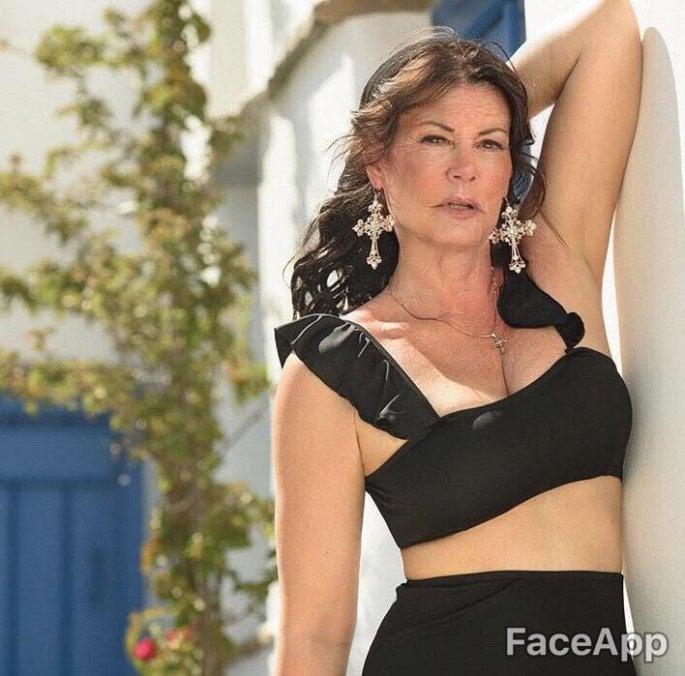 FaceApp celebrities, Μαρία Κορινθίου