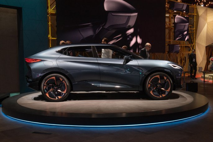 seat-accelerates-its-electric-offensive-at-the-frankfurt-iaa_03_hq_copy.jpg