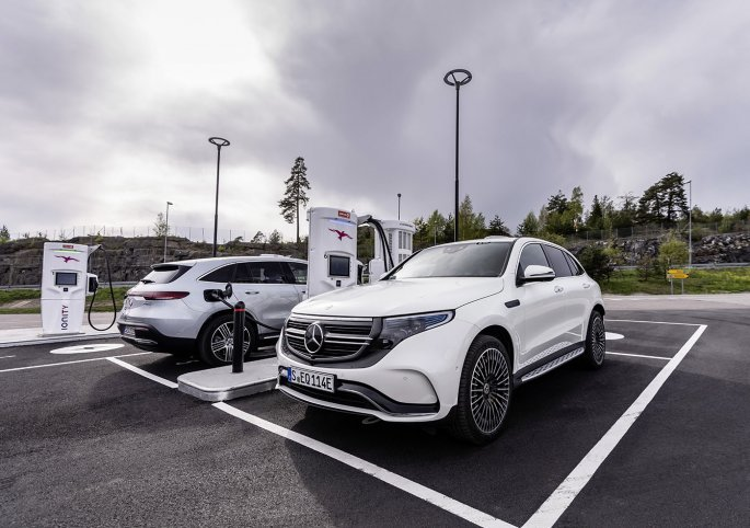 mercedes_eqc_5_copy.jpg