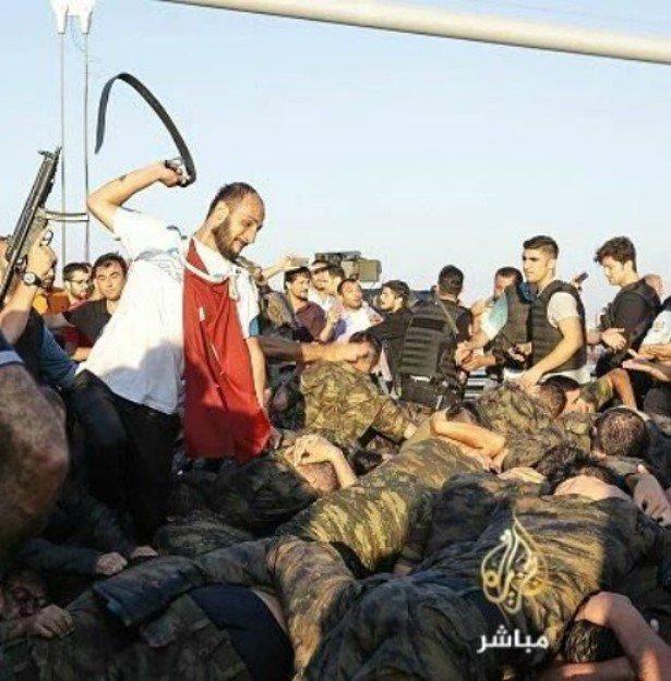 Ξυλοδαρμοί στρατιωτικών απο φανατισμένους οπαδούς του Ερντογάν