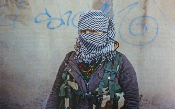Γυναίκα αγωνίστρια του PKK