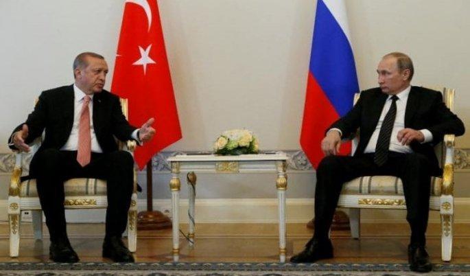 Λυκοφιλίες Ερντογάν-Πούτιν. Παρά την οικονομική συνεργασία, στα γεωπολιτικά οι διαφορές είναι μεγάλες