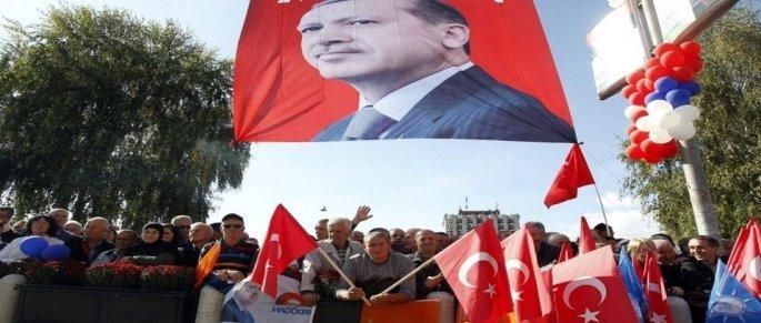 Πανηγυρισμοί μουσουλμάνων στο σαντζάκι του Νόβι Πάζαρ για την εκλογική του Ερντογάν ως Προέδρου