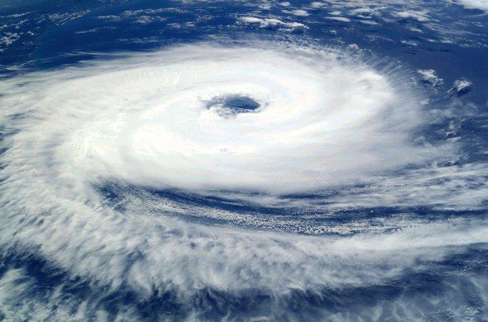 cyclone-62957_1920.jpg